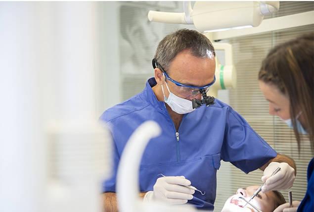 dentista zaragoza en acción